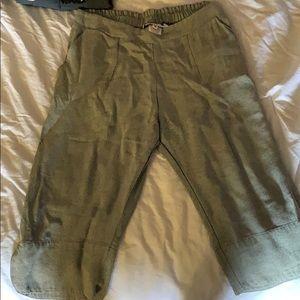 Allison Izu Capri pants